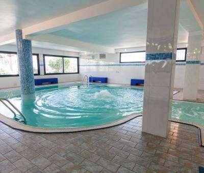 Hotel Nord Est Cattolica piscina interno